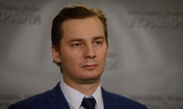 Депутат Шпенов продал общественникам транспорт за 2,5 млн гривен