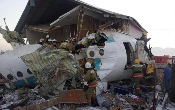 Потерпевший крушение в Казахстане самолет перед взлетом дважды зацепил хвостом полосу