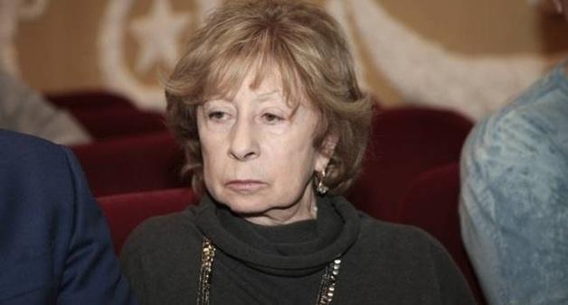 «Не спрашивайте меня ни о чем»: Ахеджакова и другие актрисы поражены уходом Галины Волчек