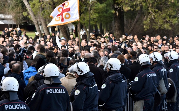 В Черногории приняли закон о свободе вероисповедания. Из-за него по всей стране проходили митинги