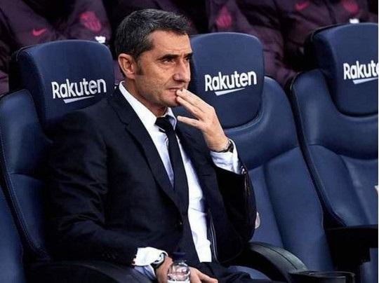 «Барселона» впервые за 17 лет уволила тренера в разгар сезона и назначила нового