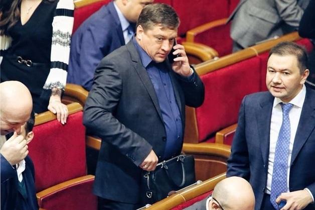"""В """"Слуге народа"""" проводят консультации со скандальным нардепом Иванисовым для его голосования с монобольшинством"""