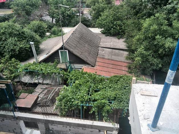 В Одессе соседи пошли на вымогательство чтобы получить откуп от застройщика