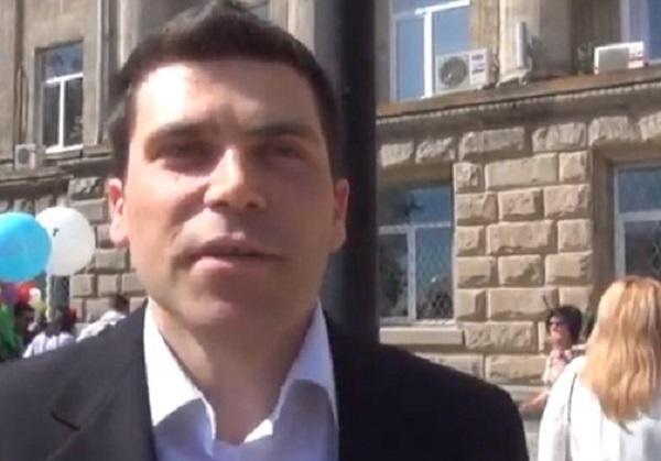 Украинский консул, проходящий по делу об изнасиловании, оказался бездомным