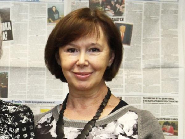 Больной раком актрисе Евгении Симоновой вырезали легкое