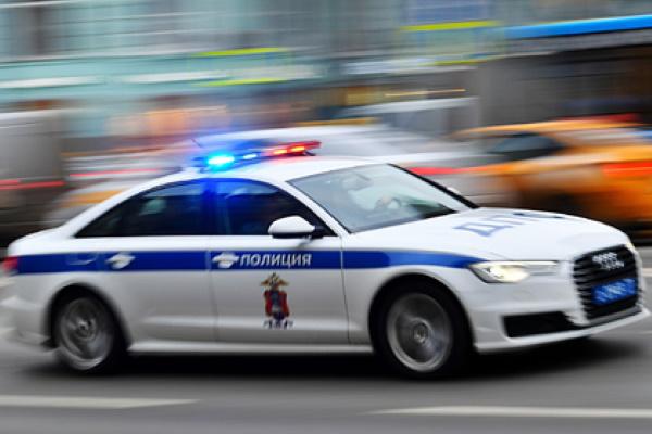 Неизвестные обстреляли московский автосалон