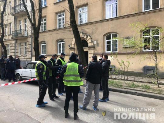 В центре Львова средь бела дня застрелили мужчину