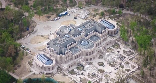 """Луценко показал грандиозный дворец """"бедствующего"""" Ахметова"""