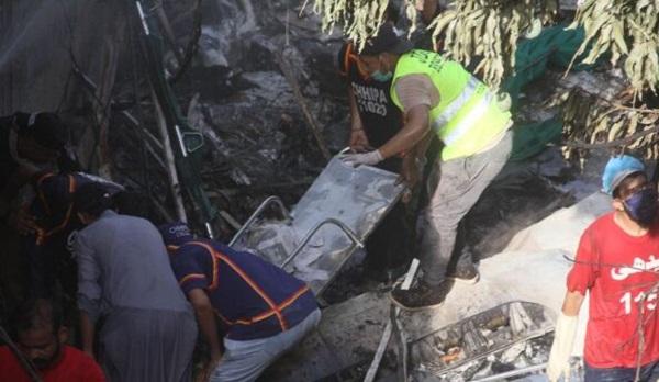 Катастрофа самолета в Пакистане: появились данные о последних минутах жизни пилотов