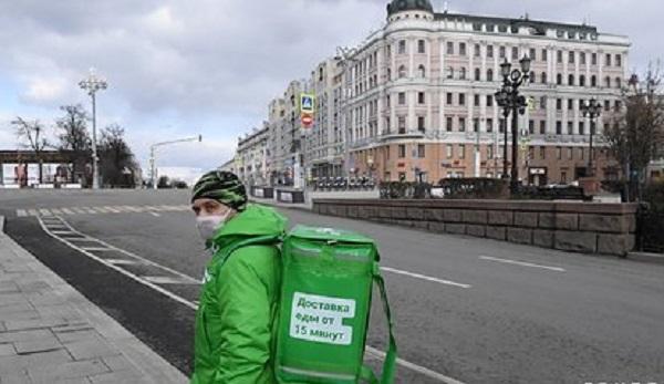 Delivery Club отреагировал на сообщения о захвате банка их курьером