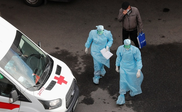 В РФ число заболевших COVID-19 приблизилось к 380 тысячам человек