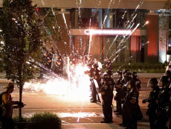 Задержана дочь мэра Нью-Йорка: в США седьмой день не утихают массовые протесты