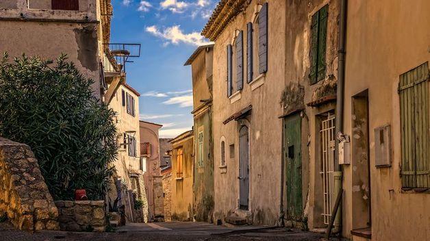 Франция не вернет карантин даже при второй волне коронавируса