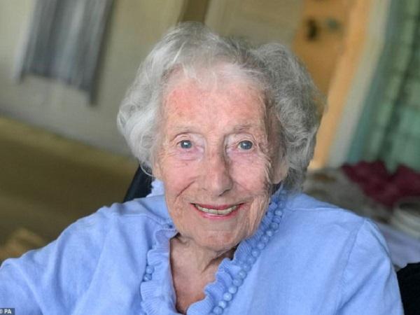 Легендарная певица Вера Линн умерла в 103 года