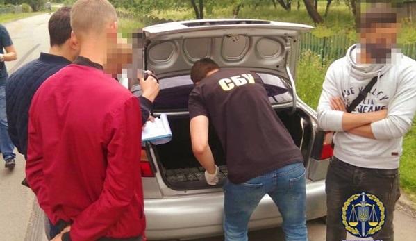 На Прикарпатье на взятке более трех тысяч долларов попался глава ОТГ