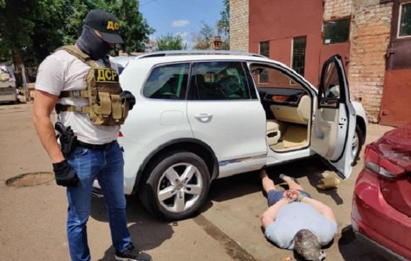 Полицейский и депутат в Кривом Роге выбивали «долг» в 160 тысяч долларов: детали инцидента