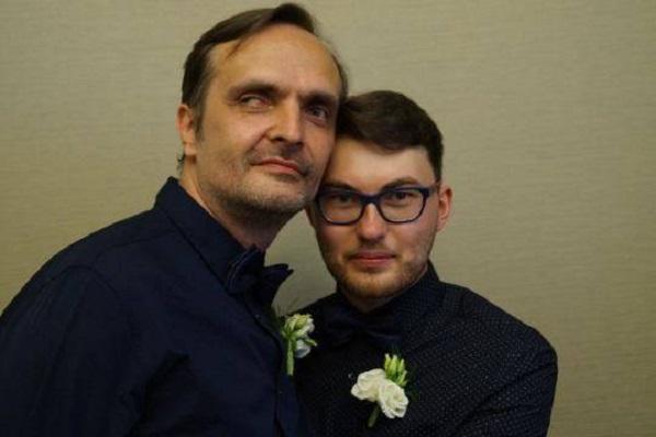 Гей-пара фактически добилась признания однополого брака в России