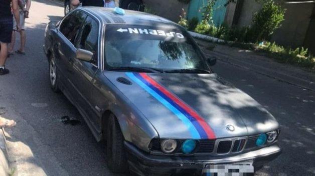 В Одессе пьяный водитель прокатил сбитого полицейского на капоте