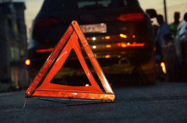 Дети в шоковом состоянии: в Киеве опасный маневр на дороге завершился ДТП