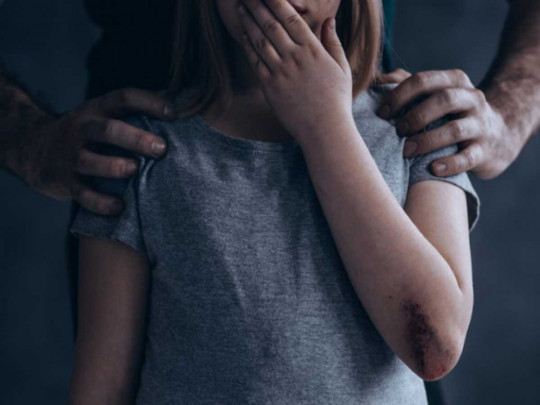 """В Днепре музыкальный руководитель насиловал 12-летнюю девочку и выкладывал видео своих """"подвигов"""" в сети"""