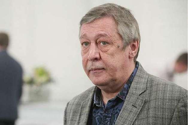 """Друзья Ефремова раскрыли всю правду о его личной жизни: актер бил жен и """"подсаживал"""" на алкоголь"""