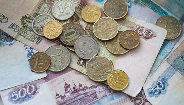 Почти половина россиян из-за кризиса выживают на доходы ниже 15 тысяч рублей