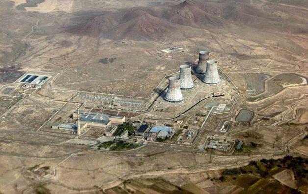 Азербайджан пригрозил ракетным ударом по АЭС Армении