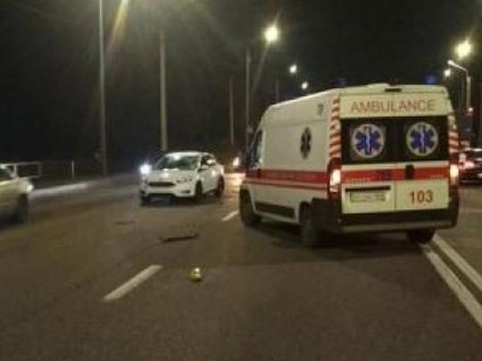 Под Харьковом «скорая» насмерть сбила женщину: момент жуткой аварии попал на видео