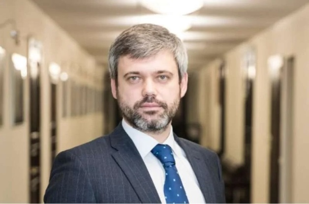 Миллионы на Порошенко и схемы с застройщиками: чем промышляет чиновник из КГГА Петр Оленич