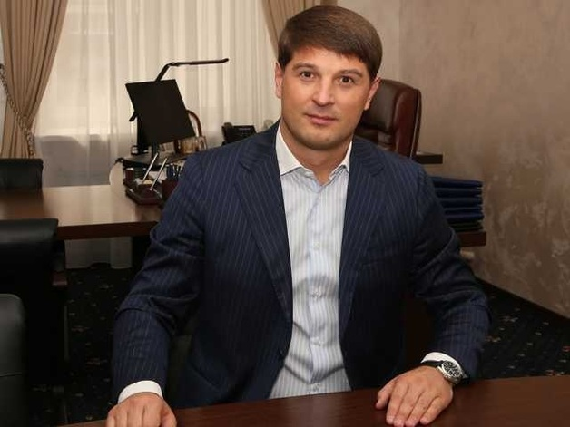 Глава Киевоблгаза Дмитрий Дронов попался на огромной взятке и зачищает интернет