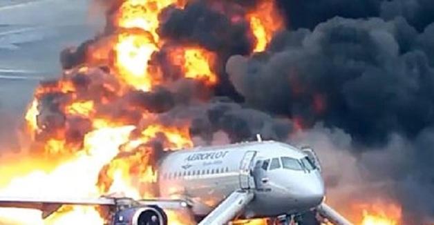 Путин повысил следователя по делу о сгоревшем в аэропорту Шереметьево SSJ-100