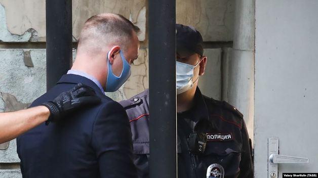 ФСБ: Иван Сафронов передал Чехии секретные сведения, зашифрованные с помощью книги Роя Медведева