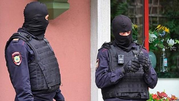 ФСБ и СКР провели обыски в Минэнерго