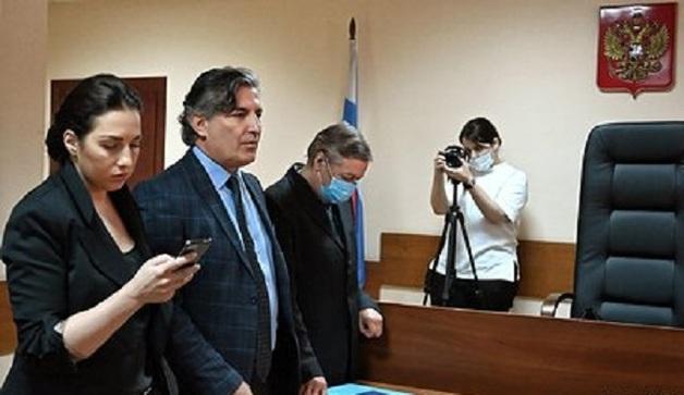 Сестра Ефремова назвала процесс над актером халтурным