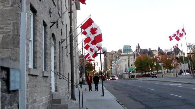 Власти канадской столицы заплатят туристам по 100 долларов за посещение города во время пандемии