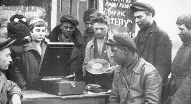 Как советские чекисты возили контрабанду