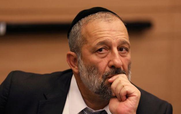 В Израиле протестуют под домом главы МВД. Требуют вмешаться в ситуацию с хасидами