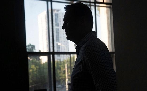 Навальный потребовал вернуть ему изъятую в Омске одежду