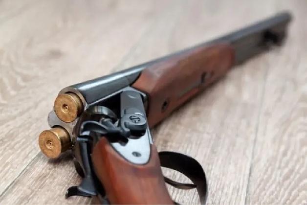 На базе отдыха во Львовской области женщина убила двух маленьких дочерей и застрелилась