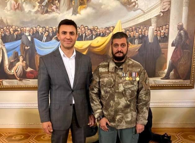 Сделали нас вместе: «Слуга народа» ведет в Киевсовет разбойника и адвоката застройщиков музея Пирогово