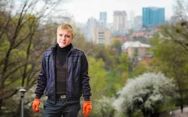 Мошенник и аферист Андрей Андреев ворует персональные данные киевлян и заработал статью