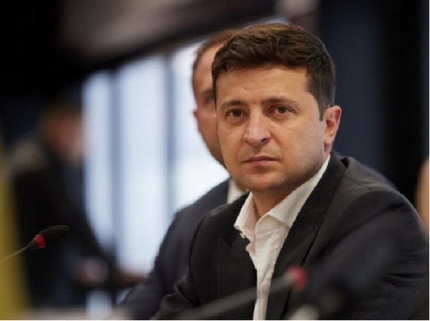 «Слабый президент»: Зеленский назвал судей КСУ чертями