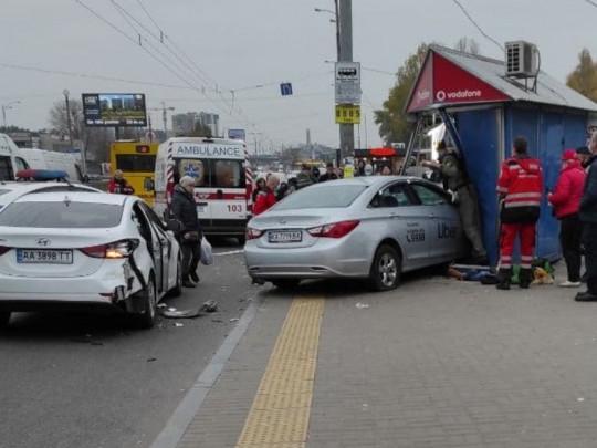Сбивший людей в Киеве таксист публиковал видео в Instagram