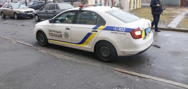 В центре Киева иностранец расстрелял мужчину в подъезде дома