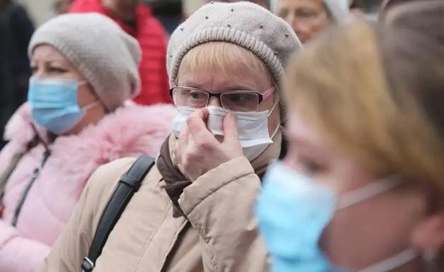 «Тяжелые больные умирают, а легкие штурмуют больницы»: Врач раскритиковал дистанционное лечение коронавируса