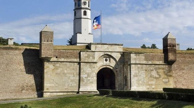 Тотальный масочный режим и запрет на встречи больше 5 человек. Сербия ужесточает карантин
