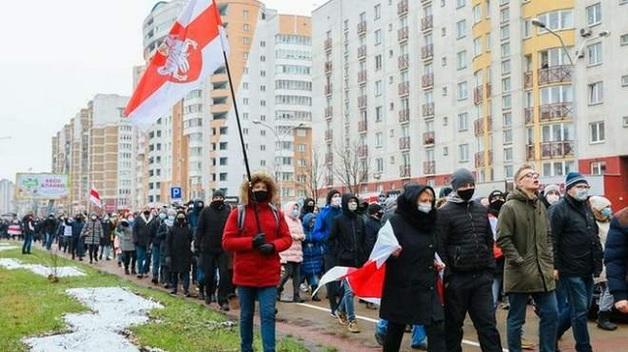 Задержания, водометы и автозаки: что происходит в Беларуси сегодня
