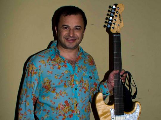 Виктора Павлика жестко раскритиковали в сети за фото с известными крымчанками