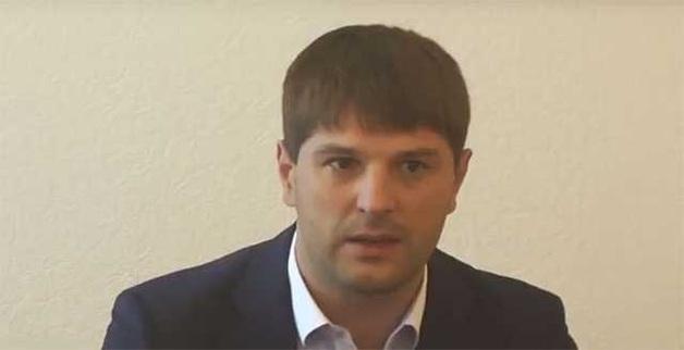Мелкий мошенник Дмитрий Дронов, председатель правления «Киевоблгаза», завладел огромными суммами денег населения