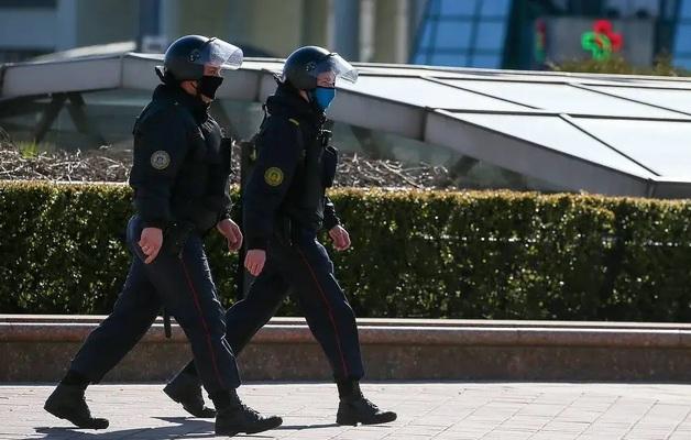 «Я думала, что умру»: Белоруска рассказала, как её изнасиловали ОМОНовцы